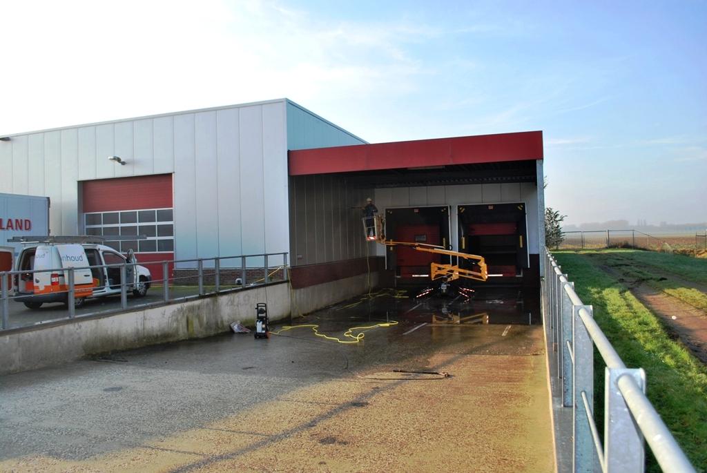 Schoonmaken van een turck docking station.JPG