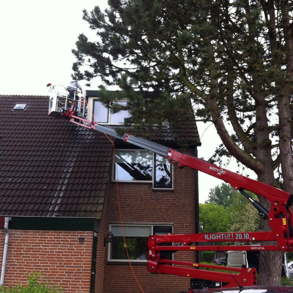 Reiniging van een dakkapel.JPG