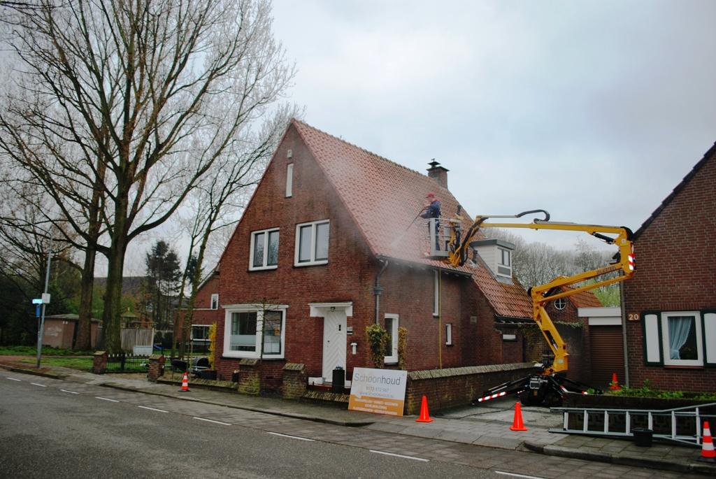 Reinigen van gebakken dakpannen.JPG