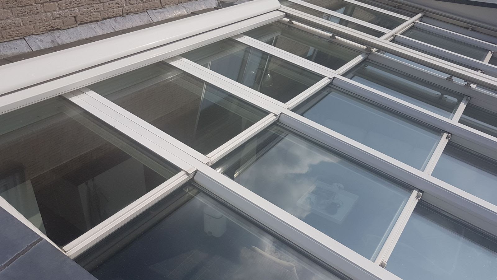 Serre met vlakverdeling in het dak.jpg